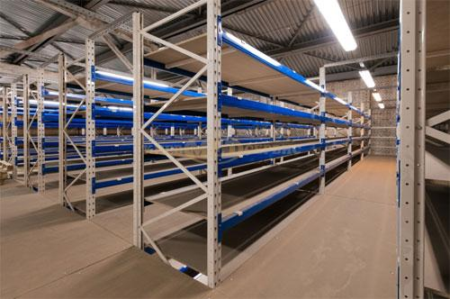 Качественное оснащение склада и торгового помещения