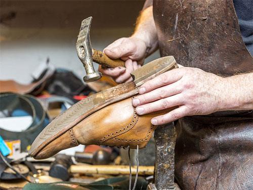 Когда обувь нуждается в ремонте