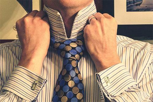 Как завязать галстук красиво и правильно?