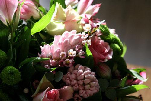 Flowers UAсокращает расстояние между любящими сердцами