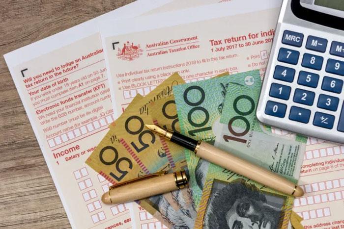 Уплата налогов физлицами и возврат налоговых вычетов