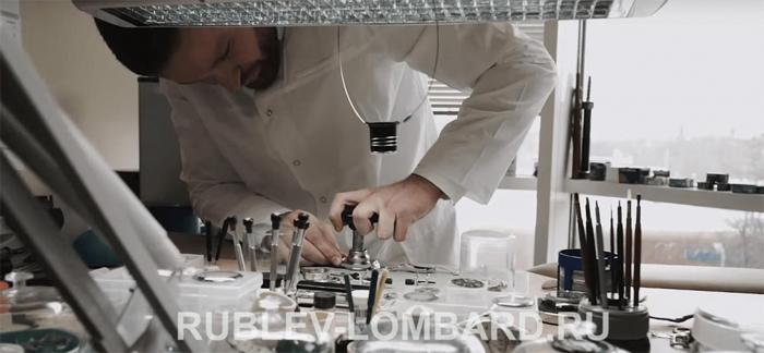 Обслуживание и ремонт швейцарских часов в сервисном центре Рублевский